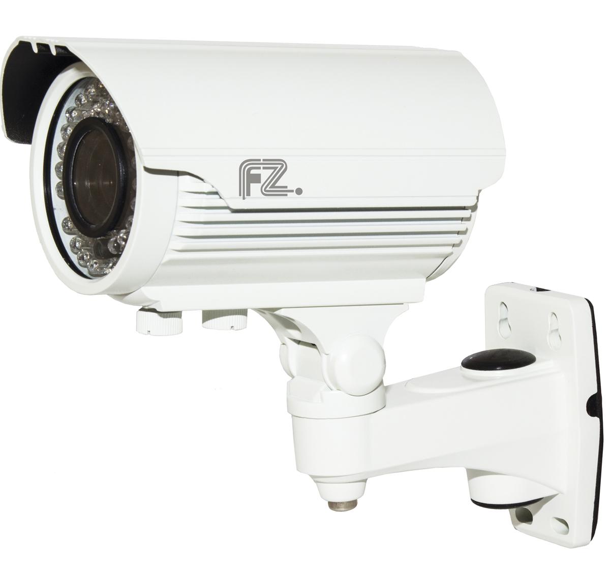 Fazera FZ-VIR42-1080(N) камера видеонаблюденияFZ-VIR42-1080 (N)Благодаря наличию инфракрасной подсветки дальностью 40 метров, и надежной защитой от атмосферных воздействий в широком диапазоне температур, камера Fazera FZ-VIR42-1080(N) может эксплуатироваться на таких объектах, как уличные паркинги, складские помещения, отели, жилые дома и т.д.В основе камеры матрица: 1/4 CMOS благодаря чему FZ-VIR42-720(N) формирует изображение с разрешением до 1920x1080 пикселей (Full HD), с качественной цветопередачей и повышенной контрастностью, что позволяет использовать видеокамеру на объектах с высокими требованиями к качеству видеосигнала, и в системах с видеоаналитикой. Электропитание камеры возможно как от источника постоянного тока 12 В, так и по IP-сети (PoE).Матрица: 1/2.8 Sony Exmor IMX323Механический ИК-фильтр с автопереключениемНастройки яркости, контраста, насыщенности через клиентское ПО или веб браузер