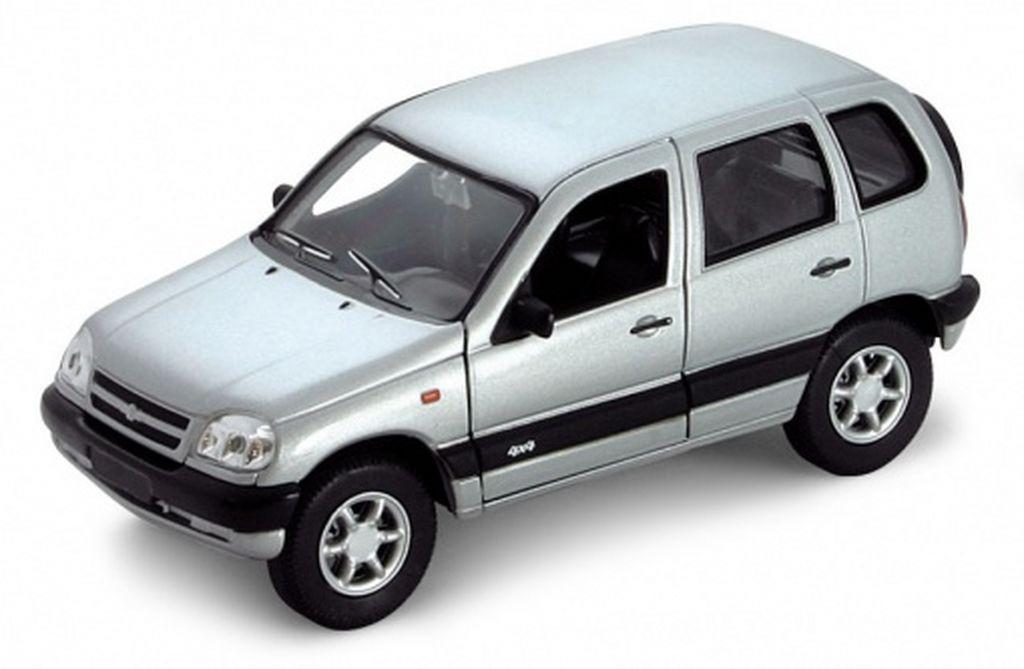 Welly Модель автомобиля Chevrolet Niva чехол на сиденье skyway chevrolet niva ch1 2