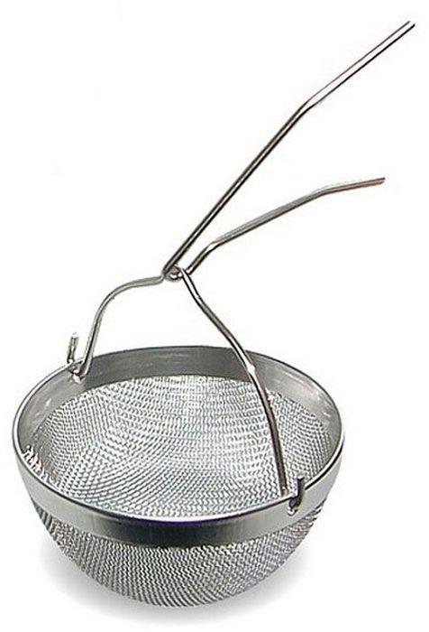 Ситечко для заварки Мультидом РетроAN57-53Используется для процеживания чая, отваров трав.Ситечко из нержавеющей стали гигиенично, функционально – просто насаживается на носик заварочного чайника. Для тех, кто ценит настоящий крупнолистовой чай, ситечко для процеживания заварки чая является неотъемлемым аксессуаром чаепития.