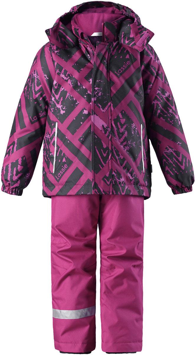 Комплект для девочки Lassie: куртка, брюки, цвет: лиловый, черный. 7237135991. Размер 1287237135991Комплект одежды для девочки Reima Lassie, состоящий из куртки и брюк, идеально подойдет для активных детей, которые любят играть на улице в любую погоду. Комплект изготовлен из сверхпрочного, ветронепроницаемого и водоотталкивающего материала с покрытием из полиуретана. Подкладка выполнена из полиэстера. В качестве утеплителя используется 100% полиэстер. Куртка со съемным капюшоном и воротником-стойкой застегивается на пластиковую молнию с защитой подбородка. Модель оснащена двумя ветрозащитными планками. Внешняя планка имеет застежки-липучки. Капюшон, присборенный по бокам на резинки, защитит нежные щечки от ветра. Он пристегивается к куртке при помощи кнопок и дополнительно имеет клапан под подбородком с застежкой-липучкой. Для большего комфорта на капюшоне и воротнике используется мягкая и приятная на ощупь подкладка. На рукавах предусмотрены эластичные манжеты. По низу изделия проходит скрытая эластичная резинка со стопперами. Спереди расположены два прорезных кармана на застежках-липучках. Куртка оформлена принтом. Брюки прямого кроя имеют широкий эластичный пояс на кнопке и ширинку на застежке-молнии. Модель дополнена широкими эластичными лямками на липучках, регулируемыми по длине. Снизу брючин предусмотрены муфты с прорезиненными полосками, препятствующие попаданию снега в обувь и не дающие брючинам задираться вверх. Комплект дополнен светоотражающими элементами, которые не оставят вашего ребенка незамеченным в темное время суток. Теплый, удобный и практичный комплект идеально подойдет для прогулок и игр на свежем воздухе!