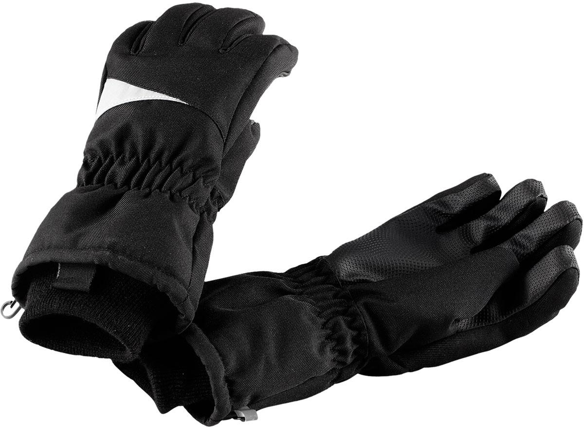Перчатки детские Lassie Lassietec, цвет: черный. 7277169990. Размер 57277169990Зимние перчатки Lassietec сочетают в себе практичность и комфорт! Отличный выбор для ежедневной носки. Перчатки изготовлены из очень прочного, водо- и ветронепроницаемого дышащего материала и снабжены водонепроницаемой мембраной, которая обеспечит вашему ребенку долгие и сухие прогулки на свежем воздухе. Усиления на ладони и большом пальце не пропускают влагу и обеспечивают хороший захват. Трикотажная подкладка из полиэстера с начесом очень мягкая и приятная на ощупь. Высокая манжета и резинка на запястье обеспечивают удобную посадку перчаток на руке. Сверху изделие дополнено светоотражающей вставкой.
