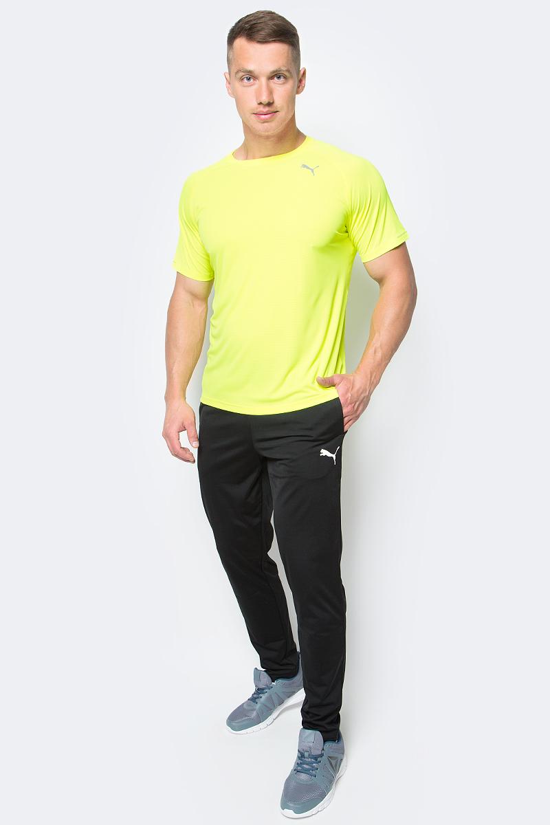 Футболка для бега мужская Puma Core-Run S/S Tee, цвет: желтый. 515008_07. Размер M (46/48)515008_07Футболка Core-Run S/S Tee изготовлена с использованием высокофункциональной технологии dryCELL, которая отводит влагу, поддерживает тело сухим и гарантирует комфорт во время активных тренировок и занятий спортом. Легкий супердышащий материал изделия прекрасно держит форму и обеспечивает полный комфорт. Логотип и другие декоративные элементы, в том числе петлица сзади на горловине выполнены из светоотражающего материала и позаботятся о вашей безопасности в темное время суток. Плоские швы не натирают кожу и обеспечивают непревзойденный комфорт.