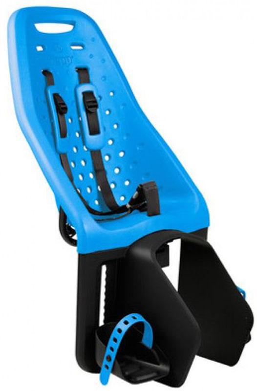 Детское велокресло Thule Yepp Maxi Easy Fit, цвет: голубой12020212Невероятно продуманное, функциональное и стильное детское велосипедное сиденье Thule Yepp Maxi Easy Fit для ежедневных прогулок. Детское велосипедное кресло, вес всего 1.9 кг, устанавливается на переднюю часть велосипеда. Легкое, мягкое и прочное, оно обеспечит Вашему ребёнку высокий комфорт и отличный обзор. Детское велосипедное сиденье быстро и легко устанавливается на велосипед и крепится к заднему багажнику с окном EasyFit или багажнику, оснащенному переходником Thule Yepp Maxi EasyFit (продается отдельно) .Мягкое сиденье, смягчающее толчки и вибрацию, обеспечивает абсолютный комфорт для ребенка. Максимальный комфорт и безопасность благодаря регулируемому 5-точечному ремню безопасности с подкладкой. Оснащенная защитой от детей пряжка позволяет быстро и легко зафиксировать ребенка. Дополнительная видимость на расстоянии благодаря встроенному рефлектору и точке крепления светового индикатора. Адаптируется к параметрам ребенка по мере его роста и обеспечивает идеальную посадку благодаря регулируемым опорам для ног и фиксирующему ремню .Благодаря водоотталкивающим материалам сиденье всегда остается сухим и легко чистится.Разработано и протестировано для детей от 9 месяцев* до 6 лет, весом до 22 кг. (*Обратитесь к педиатру, если ребенку менее 1 года).