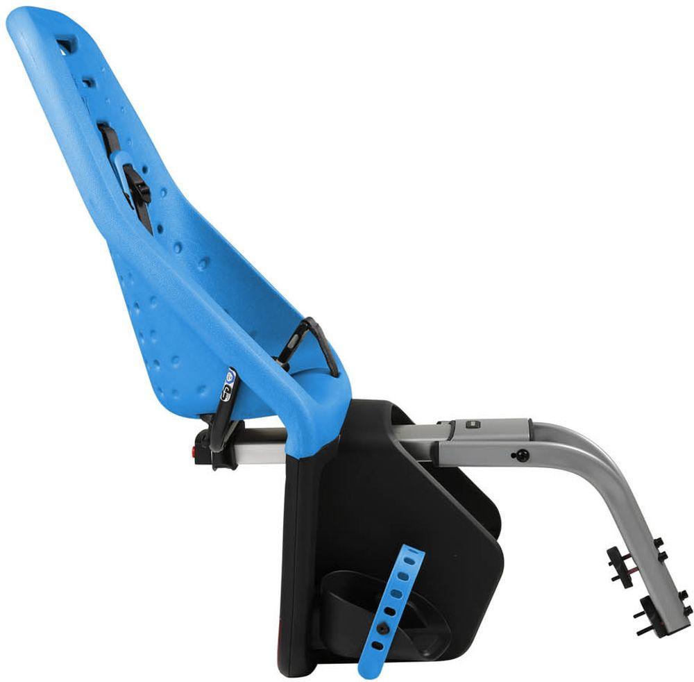 """Невероятно продуманное, функциональное и стильное детское велосипедное сиденье Thule """"Yepp Maxi Easy Fit"""" для ежедневных прогулок.   Детское велосипедное кресло, вес всего 1.9 кг, устанавливается на переднюю часть велосипеда. Легкое, мягкое и прочное, оно обеспечит   Вашему ребёнку высокий комфорт и отличный обзор.Детское велосипедное сиденье быстро и легко устанавливается на велосипед и крепится к заднему багажнику с окном EasyFit или багажнику,   оснащенному переходником Thule Yepp Maxi EasyFit (продается отдельно).   Мягкое сиденье, смягчающее толчки и вибрацию, обеспечивает абсолютный комфорт для ребенка.   Максимальный комфорт и безопасность благодаря регулируемому 5-точечному ремню безопасности с подкладкой.   Оснащенная защитой от детей пряжка позволяет быстро и легко зафиксировать ребенка.   Дополнительная видимость на расстоянии благодаря встроенному рефлектору и точке крепления светового индикатора.   Адаптируется к параметрам ребенка по мере его роста и обеспечивает идеальную посадку благодаря регулируемым опорам для ног и   фиксирующему ремню.   Благодаря водоотталкивающим материалам сиденье всегда остается сухим и легко чистится .Разработано и протестировано для детей от 9 месяцев* до 6 лет, весом до 22 кг. (*Обратитесь к педиатру, если ребенку менее 1 года).    Гид по велоаксессуарам. Статья OZON Гид"""