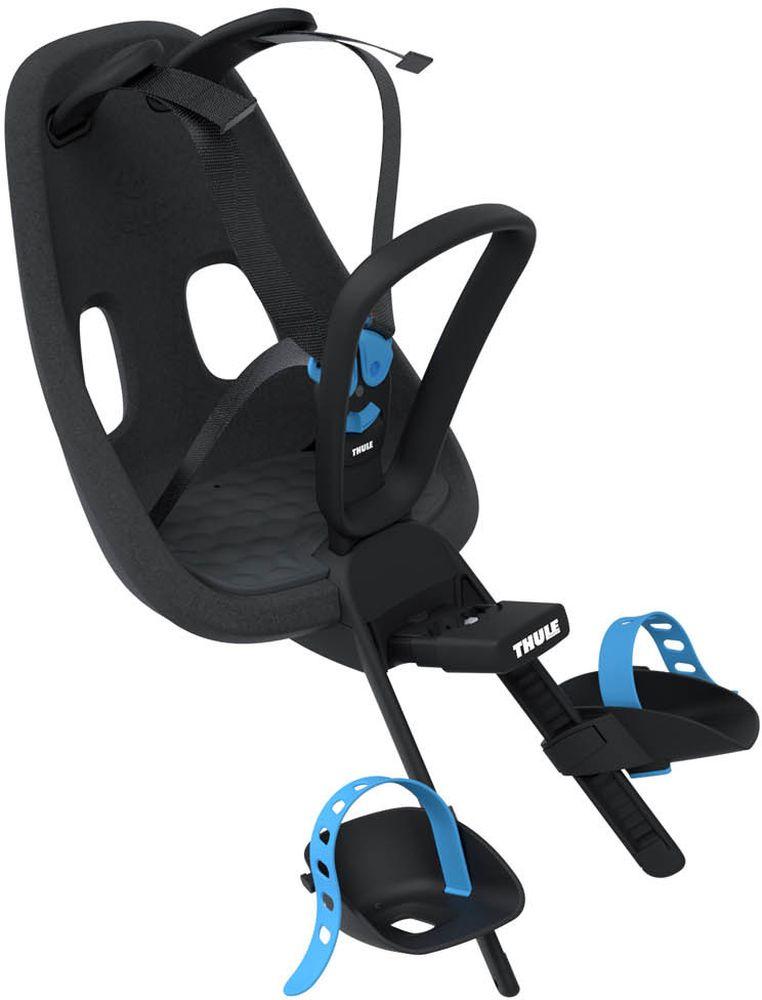 Детское велокресло Thule Yepp Nexxt Mini, цвет: черный12080101Детское велосипедное кресло Thule Yepp Nexxt Mini для установки на раму велосипеда. Легкое и стильное детское велосипедное сиденье с креплением сзади и продуманным дизайном для прогулок по городу. Максимальный комфорт и безопасность благодаря регулируемому 5-точечному ремню безопасности с подкладкой. Сиденье, смягчающее толчки и вибрацию, обеспечивает плавную езду .Легкое, но прочное и невероятно удобное детское сиденье с жесткой основой и мягкой подбивкой. Фиксировать ребенка с помощью защитной пряжки на магните, оснащенной защитой от детей, очень быстро, легко и удобно. Адаптируется к параметрам ребенка по мере его роста и обеспечивает идеальную посадку благодаря регулируемым опорам для ног и фиксирующим ремням .Во время езды ребенок может держаться за удобную ручку .Универсальная быстросъемная опора, которая подходит для обычных и выносных кронштейнов, позволяет устанавливать сиденье на велосипед и снимать с него за считанные секунды .Благодаря водоотталкивающим материалам сиденье всегда остается сухим и легко чистится . Разработано и протестировано для детей от 9 месяцев* до 3 лет, весом до 15 кг. (*Обратитесь к педиатру, если ребенку менее 1 года).