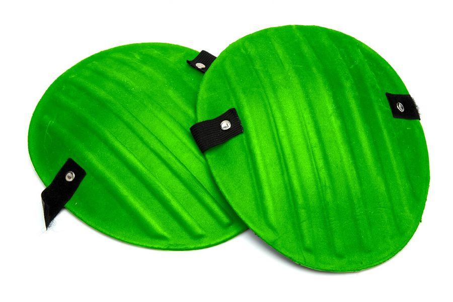 Наколенники Bradex, для садовых работ, цвет: зеленыйTD 0467Наколенники Bradex предназначены для садовых работ на застежке-липучке. Они позаботятся о здоровье и комфорте ваших коленных суставовво время посадки, пропалывания грядок и других дачных дел. Мягкий материал снижает нагрузку на колени. Применение: Приложите чашечки наколенников к коленям и зафиксируйте их положение с помощью застежки-липучки. Наколенники не требуют специальногоухода. При необходимости, промойте их теплой водой. Не храните наколенники под прямыми солнечными лучами и вблизи открытого огня инагревательных приборов. Размеры: 19 х 17 см