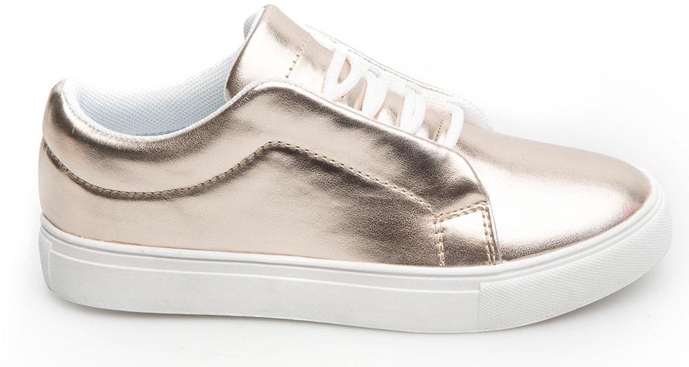 Кеды для девочки Acoola Domain, цвет: золотистый. 20228040046_3600. Размер 3420228040043/20228040046_3600Модные кеды Domain от Acoola приведут в восторг вашу девочку! Модель выполнена из искусственной кожи. Классическая шнуровка обеспечивает надежную фиксацию обуви на ноге. Подкладка и стелька из текстиля комфортны при движении. Рифление на подошве гарантирует отличное сцепление с любыми поверхностями. Стильные и удобные кеды - необходимая вещь в гардеробе каждой девочки.