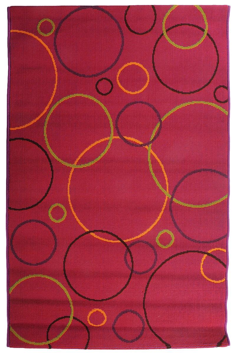 Коврик прикроватный Oriental Weavers Дaззл, цвет: красный, фиолетовый, 100 х 150 см. 1507415074Яркая циновка с мягким и упругим ворсом - неповторимый элемент для гостиных и детских комнат. Оригинальный ковер от известной египетской фабрики Oriental Weavers подойдет для современных и классических интерьеров.