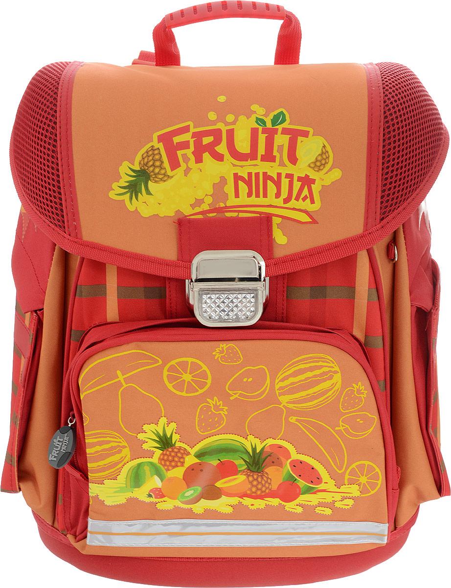Action! Ранец школьный Fruit Ninja цвет красный оранжевыйFN-ASB2019/5Школьный ранец Action! Fruit Ninja предназначен для переноски и хранения школьных принадлежностей.Изделие имеет одно основное отделение, закрывающееся клапаном на металлический замок-защелку. Внутри отделения находятся две мягкие перегородки для учебников и тетрадей на резинке, пришивной карман на застежке-молнии, который фиксируется при помощи липучек, и пластиковый карабин для ключей. Клапан полностью откидывается, что существенно облегчает пользование ранцем. На внутренней части клапана находится прозрачный пластиковый кармашек, в который можно поместить данные о владельце ранца и расписание уроков. На лицевой стороне изделия под клапаном находится накладной карман, фиксирующийся хлястиком на липучке. Также на лицевой стороне имеется накладной карман на молнии для пенала. По бокам располагаются два глубоких кармана на застежках-молниях, которые отлично подойдут для бутылки с водой. На молниях ранца имеются лицензионные декоративные элементы.Анатомический рельеф спинки повторяет естественный изгиб позвоночника, что позволяет держать спину прямо и оптимально распределять нагрузку на спину ребенка. Мягкие анатомические лямки позволяют легко и быстро отрегулировать изделие в соответствии с ростом. Ранец оснащен ручкой с резиновой насадкой для удобной переноски.Прочное дно с пластиковыми ножками обеспечивает ранцу хорошую устойчивость. Светоотражающие элементы не оставят незамеченным вашего ребенка в темное время суток.