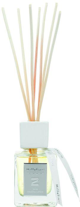 Диффузор ароматический Millefiori Milano Zona Средиземноморский воздух / Aria Mediterranea, 100 мл41MDAMАроматический диффузор Millefiori Milano Zona наполнит ваш дом неповторимым ароматом. Ароматизатор произведен из натуральных компонентов и является образцом качественного и безопасного продукта для дома. Ароматический диффузор с палочками - это простое, изящное и долговременное решение, как наполнить дом или офис приятным запахом. Просто поместите ротанговые палочки в емкость с ароматической жидкостью. Степень интенсивности запаха может регулироваться объемом ароматической жидкости и количеством палочек. Диффузор - это не просто освежитель воздуха, а элемент декора, который окутает вас своим приятным и нежным ароматом.Описание ароматической композиции: Свежий и бодрящий аромат открывается яркими акцентами гвоздики и цитрусовых, которые превращаются в сложные ароматические ноты сердца, сопровождаемые теплыми древесными аккордами. Базовые ноты: Гвоздика, Лимон, Имбирь.Средние ноты: Бессмертник, Лаванда, Полынь.Верхние ноты: Кедр, Пачули, Сосна. Товар сертифицирован.