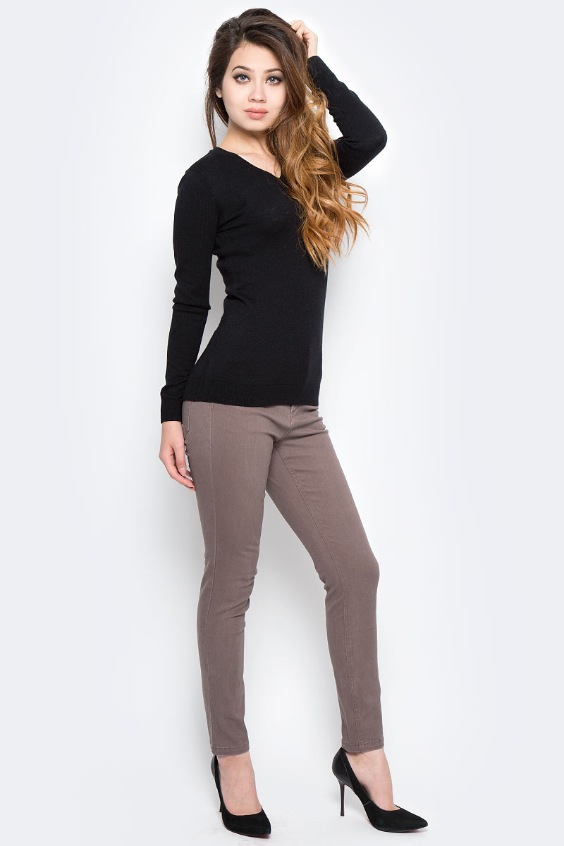 Брюки женские Sela, цвет: какао. P-115/844-7310. Размер 48P-115/844-7310Женские брюки Sela, выполненные из эластичного хлопка, помогут создать модный повседневный образ. Укороченная модель зауженного силуэта с завышенной талией застегивается на молнию и пуговицу. На поясе имеются шлевки для ремня. Изделие дополнено двумя втачными и накладным карманами спереди и двумя накладными карманами сзади. Брюки подойдут для прогулок или дружеских встреч и станут отличным дополнением к гардеробу. Мягкая ткань на основе хлопка и эластана приятна на ощупь и комфортна в носке.