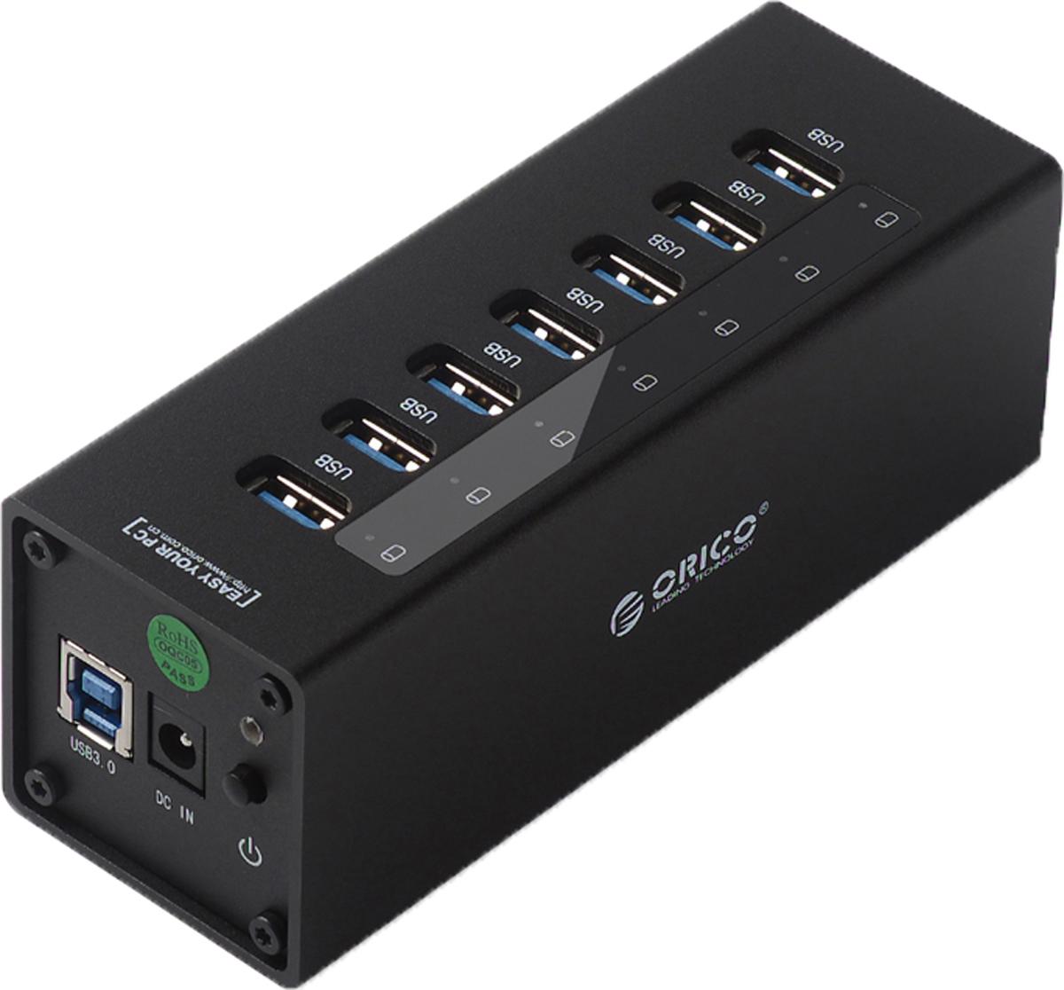 Orico A3H7 USB-концентратор, BlackORICO A3H7-BKБлагодаря своему дизайну и металлическому корпусу Orico A3H7 будет отлично смотреться рядом с компьютерами iMac, MacBook Air, MacBook Pro, MacBook, ПК и другими ноутбуками со светлыми корпусами из металла. Orico A3H7 оснащён 7 разъёмами USB 3.0 – такого количества универсальных портов хватит на все случаи жизни: для периферии, накопителей, принтеров, сканеров и других устройства. Все разъёмы Orico A3H7 обеспечивают скорость передачи данных в 5 Гбит/сек. Этой скорости с запасом хватит не только для подключения простой периферии, но для жёстких дисков и быстрых флэш-накопителей. USB-хаб Orico A3H7 оснащён двухъядерным контроллером Via-Labs VL812, который обеспечит стабильную работу концентратора при подключении большого количества устройств или при копировании больших объёмов данных на флешки или жёсткие диски. В комплекте с Orico A3H7 поставляется блок питания мощностью 30 Вт, который обеспечит электричеством все подключённые устройства. Высокопроизводительный USB-концентратор c семью портами USB 3.0.Двухъядерный контроллер VIA Vl812 гарантирует эффективное использование энергии и высокую скорость передачи данных.Алюминиевый корпус.Скорость передачи данных до 5 Гбит/c.Внешний блок питания.Кабель USB 3.0 длиной 1 метр.Характеристики:Источник питания: Внешний блок питания 30 ВтМатериал корпуса: АлюминийВход USB 3.0 Type BВыход USB 3.0 Type AUSB выходов: 7Стандарты USB: 3.0; 2.0; 1.1; 1.0Скорость сигнала: 5 Гбит/секПоддерживаемые ОС: Windows XP, Vista, 7, 8, 8.1, 10, Mac OS и LinuxИндикатор питания LED синийДлина кабеля 1 метр.