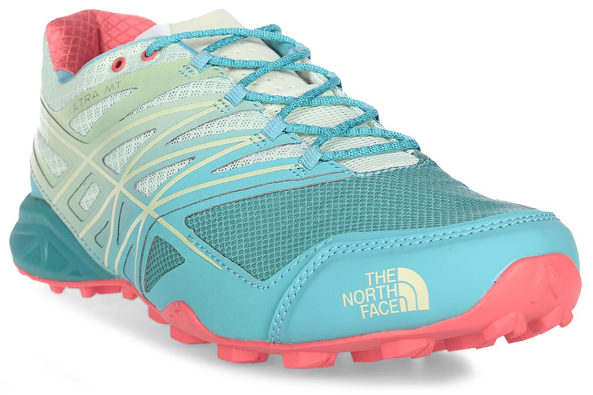 Кроссовки для бега женские The North Face W Ultra Mt, цвет: бирюзовый. T932Z4TAM. Размер 8 (39)T932Z4TAMThe North Face легкие и очень комфортные кроссовки для бега. Удобная шнуровка, верх из сетчатой ткани, мягкая пятка для облегченного входа - в этих кроссовках есть все для комфортного передвижения в течение всего дня. Рельефная поверхность подошвы гарантируют отличное сцепление на любых поверхностях. В таких кроссовках вашим ногам будет комфортно и уютно.
