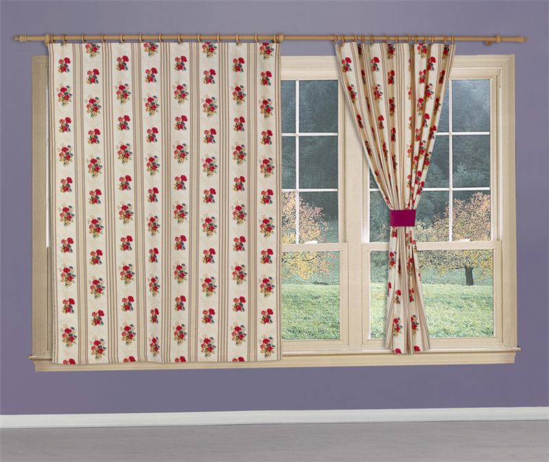 Штора Apolena Полевые цветы, на ленте, цвет: кремовый, красный, высота 185 см14-9660/1Штора для кухни Apolena, выполненная из инновационной ткани - микроволокно (100% полиэстер), имеет плюшевую бархатистую поверхность. За счет небольшого ворса (так называемый эффект персика), ткань выглядит объемной и очень мягкой. Уникальным свойством ткани является поглощение пыли, которая не оседает на поверхности, а проникает внутрь капиллярной структуры полотна. При задергивании штор пыль не летит во все стороны и впоследствии легко удаляется при стирке. Оригинальный дизайн шторы прекрасно сочетается с другими коллекциями, как в качестве компаньона, так и как самостоятельный акцентный элемент коллекции. Штора крепится к карнизу при помощи шторной ленты. Вы можете самостоятельно подобрать наиболее предпочтительный вид крючков - для потолочного или стенового карниза. При желании вы можете присборить штору с помощью лески, предварительно закрепив ее концы с обеих сторон.