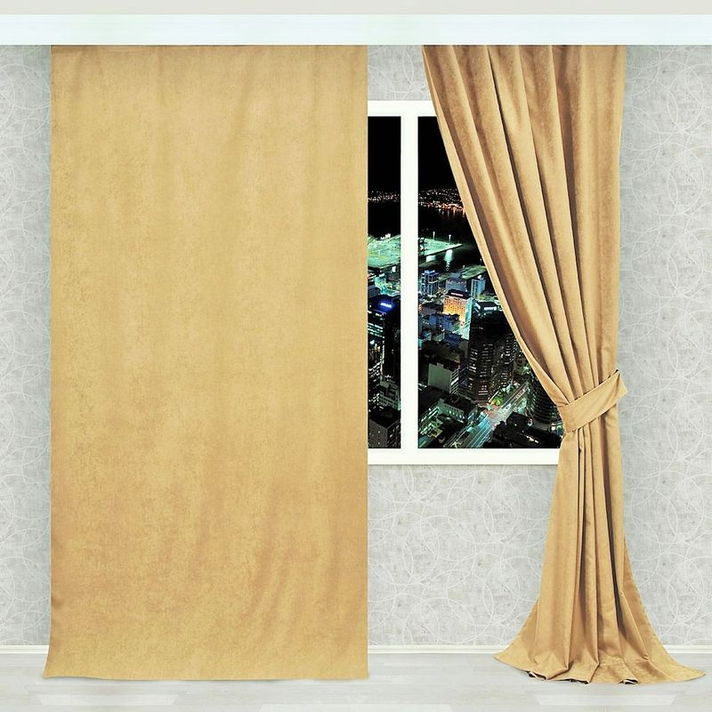 Штора Apolena Мокрый песок, на ленте, высота 270 см08-Z004/1Однотонная штора, выполненная из инновационной ткани- микроволокно, имеет плюшевую бархатистую поверхность. За счет небольшого ворса (так называемый эффект персика), ткань выглядит объемной и очень мягкой. Уникальным свойством ткани является поглощение пыли, которая не оседает на поверхности, а проникает внутрь капиллярной структуры полотна. При задергивании штор, пыль не летит во все стороны и впоследствии легко удаляется при стирке. Стойкий насыщенный цвет шторы прекрасно сочетается с другими коллекциями, как в качестве компаньона, так и как самостоятельный акцентный элемент коллекции. Штора крепится к карнизу при помощи шторной ленты. Вы можете самостоятельно подобрать наиболее предпочтительный вид крючков - для потолочного или стенового карниза. При желании вы можете присборить штору с помощью лески, предварительно закрепив ее концы с обеих сторон.
