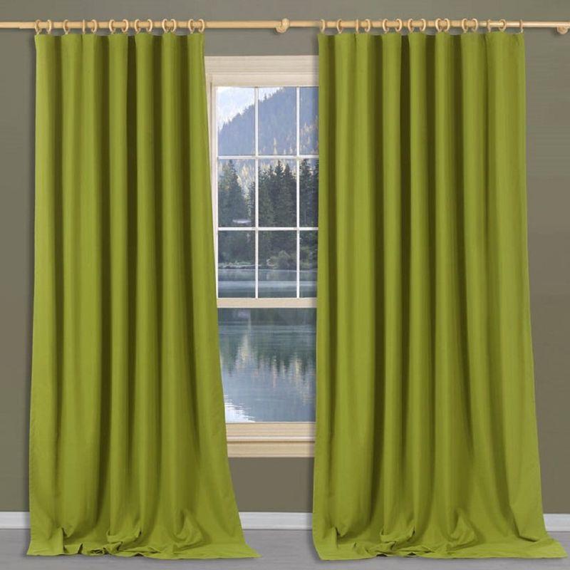 Штора Apolena Ирландский мох, на ленте, цвет: зеленый, высота 270 смP308-Z340/1Штора Apolena, изготовленная из микрофибры (100% полиэстер), имеет насыщенный цвет и плотную структуру. Рассеивает солнечный свет на 30-60% в зависимости от цвета полотна. Чем темнее цвет, тем выше коэффициент поглощения солнечных лучей. Уникальным свойством ткани является поглощение пыли, которая не оседает на поверхности, а проникает внутрь капиллярной структуры полотна. При задергивании штор, пыль не летит во все стороны и впоследствии легко удаляется при стирке.Штора идеально подходит для детской или молодежной комнаты, а также для гостиной в стиле Loft, Pop art или Модерн. Стойкий глубокий цвет полотна прекрасно сочетается с аксессуарами из разных коллекций, как в виде компаньона, так и в качестве самостоятельного акцентного элемента интерьера.Шторная лента позволяет крепить штору на классический карниз и на крючки с кольцами. При желании вы можете присборить штору с помощью лески, предварительно закрепив ее концы с обеих сторон.