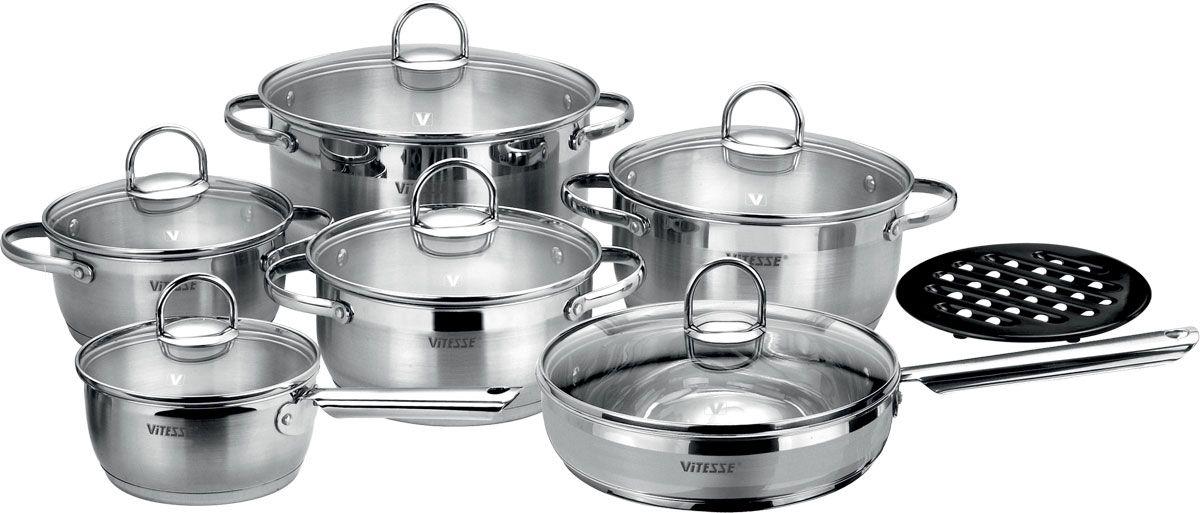 Набор посуды Vitesse Flora, 13 предметовVS-1043Набор посуды Vitesse Flora прекрасно подойдет для вашей кухни. Он состоит из четырех кастрюль с крышками вместительностью 1,5 л, 2,1 л, 2,95 л и 5,1 л, сотейника с крышкой, сковороды с крышкой и подставки под горячее. Предметы набора изготовлены из высококачественной нержавеющей стали 18/10 с матовой полировкой с элементами зеркальной. Они оснащены капсулированным дном с прослойкой алюминия, которое обеспечивает наилучшее распределение тепла по поверхности посуды. Кастрюли и сотейник имеют на внутренней стенке шкалу литража. Ручки из нержавеющей стали надежно крепятся к корпусу емкостей. Крышки выполнены из термостойкого стекла и позволяют следить за процессом приготовления пищи. Они оснащены отверстием для выхода пара и металлическим ободом по краю, который позволит предотвратить сколы стекла. Подставка под горячее изготовлена из бакелита черного цвета.Посуду можно использовать на всех типах плит, кроме индукционных. Также изделия можно мыть в посудомоечной машине. Характеристики: Материал: нержавеющая сталь 18/10, бакелит. Диаметр кастрюли объемом 1,5 л:16 см. Диаметр кастрюли объемом 2,1 л:18 см. Диаметр кастрюли объемом 2,95 л:20 см. Диаметр кастрюли объемом 5,1 л:24 см. Объем сотейника:1,5 л. Диаметр сотейника:16 см. Длина ручки сотейника:15,5 см. Диаметр сковороды:24 см. Глубина сковороды:6 см. Длина ручки сковороды:17,5 см. Диаметр подставки:17 см. Размер упаковки:51 см х 25 см х 26 см.Артикул:VS-1043.Кухонная посуда марки Vitesseиз нержавеющей стали 18/10 предоставит вам все необходимое для получения удовольствия от приготовления пищи и принесет радость от его результатов. Посуда Vitesse обладает выдающимися функциональными свойствами. Легкие в уходе кастрюли и сковородки имеют плотно закрывающиеся крышки, которые дают возможность готовить с малым количеством воды и экономией энергии, и идеально подходят для всех видов плит: газовых, электрических, стеклокерамических и индукционных. Конструкция дна посуды гарант