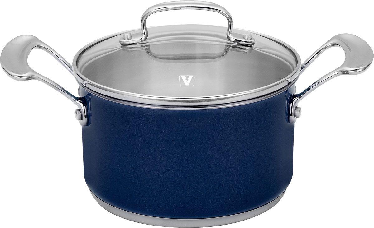 Кастрюля Vitesse Wanda, 2,2 л, цвет: синийVS-1490-blueКастрюля Wanda изготовлена из высококачественной нержавеющей стали 18/10. Многослойное термоаккумулирующее дно кастрюли с прослойкой из алюминия обеспечивает наилучшее распределение тепла. На внутренней стороне имеется шкала литража, что обеспечивает дополнительное удобство при приготовлении пищи. Прозрачная крышка, выполненная из термостойкого стекла с клапаном для выпуска пара, позволяет следить за процессом приготовления пищи, а литые ручки, крепящиеся к корпусу кастрюли заклепками, обеспечивают удобство при эксплуатации.Форма кромки кастрюли предотвращает разливание жидкости, а благодаря правильности линий кромки в комбинации с крышкой обеспечивается максимальная герметизация между ними. Наружная поверхность кастрюли отделана серебристо-синим полиэстеровым покрытием, что придает ей нотки благородности и изысканности.Кастрюля подходит для газовых, электрических и стеклокерамических плит и пригодна для мытья в посудомоечной машине. Характеристики: Высота стенки кастрюли: 9 см. Диаметр кастрюли (без учета ручек): 19 см. Объем:2,2 л. Материал:нержавеющая сталь 18/10. Толщина стенок:0,6 мм.Артикул:1490. Кухонная посуда марки Vitesseиз нержавеющей стали 18/10 предоставит Вам все необходимое для получения удовольствия от приготовления пищи и принесет радость от его результатов. Посуда Vitesse обладает выдающимися функциональными свойствами. Легкие в уходе кастрюли и сковородки имеют плотно закрывающиеся крышки, которые дают возможность готовить с малым количеством воды и экономией энергии, и идеально подходят для всех видов плит: газовых, электрических, стеклокерамических и индукционных. Конструкция дна посуды гарантирует быстрое поглощение тепла, его равномерное распределение и сохранение. Великолепно отполированная поверхность, а также многочисленные конструктивные новшества, заложенные во все изделия Vitesse, позволит Вам открыть новые горизонты приготовления уже знакомых блюд. Для производства посуды Vitesseиспо