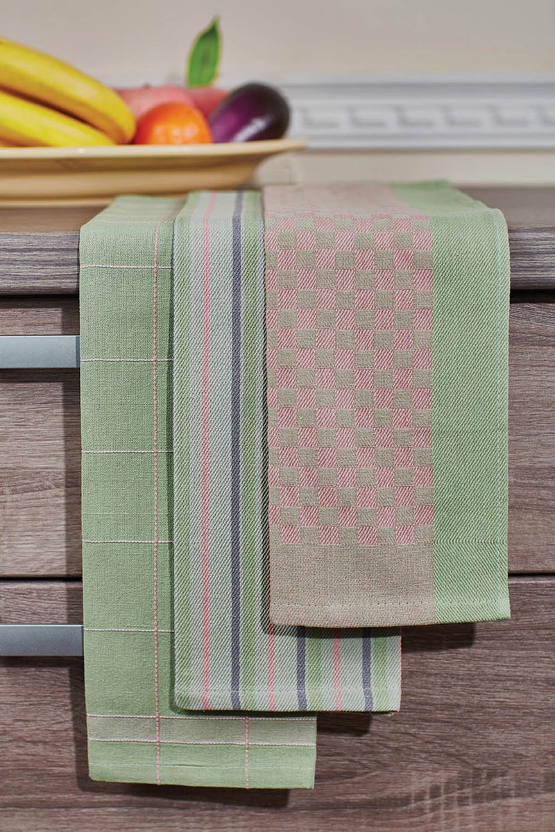Набор кухонных полотенец Primavelle, цвет: зеленый, 40 х 60 см, 3 шт. НП38540603НП38540603-03Кухонный набор Primavelle состоит из 3 жаккардовых полотенец. Практичные полотенца из высококачественного 100% хлопка отлично впитывают влагу, надолго сохраняют свой цвет и форму. Яркий дизайн, натуральные материалы, высокое качество пошива - основные характеристики полотенец для кухни.Внесите последний штрих в интерьер вашей кухни. Жаккардовые полотенца - это незаменимый аксессуар на любой кухне.Полотенца легко стираются и стойки к выцветанию.