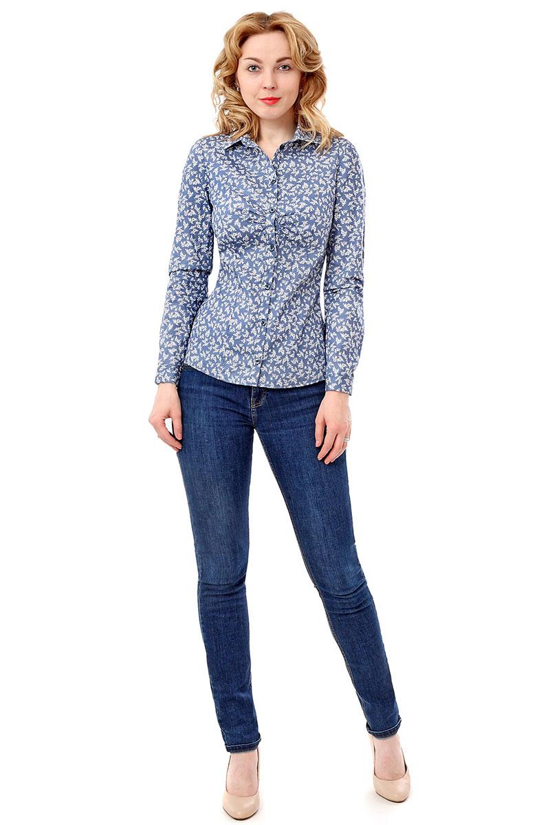 Блузка F5, цвет: голубой. 171005_17333. Размер L (48)171005_17333, Cotton, GELA flowersЖенская блузка F5 выполнена из качественного материала, поможет создать модный образ и станет отличным дополнением к повседневному гардеробу. Модель приталенного кроя с отложным воротничком застегивается спереди на пуговицы.