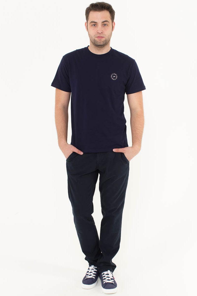 Футболка мужская F5, цвет: синий. 170092_02370/F5. Размер XL (52)170092_02370/F5, TR Plain, navyМужская футболка F5, изготовленная из качественного материала, поможет создать модный образ и станет отличным дополнением к повседневному гардеробу. Модель полуприлегающего кроя оформлена оригинальным принтом.