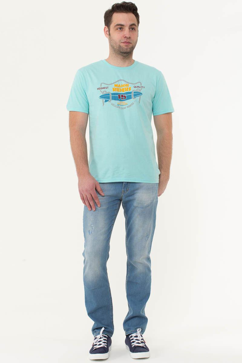 Джинсы мужские F5, цвет: голубой. 175061_09626. Размер 32-36 (48-36)175061_09626, Blue denim Victory, w.lightМужские джинсы F5 выполнены из качественного эластичного материала. Модель слегка зауженного к низу кроя на талии застегивается на пуговицу и имеет ширинку на застежке-молнии. На поясе имеются шлевки для ремня. Джинсы представляют собой классическую пятикарманку: два втачных и накладной карманы спереди и два накладных кармана сзади.
