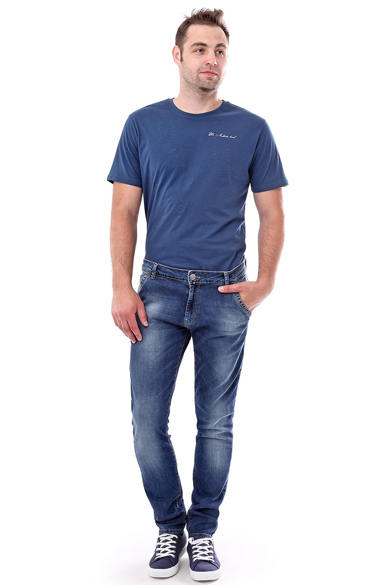 Джинсы мужские F5, цвет: синий. 175090_09631. Размер 29-32 (44/46-32)175090_09631, Blue denim P-7 str., w.lightМужские джинсы F5 выполнены из качественного эластичного материала. Классическая модель на талии застегивается на пуговицу и имеет ширинку на застежке-молнии. На поясе имеются шлевки для ремня. Джинсы оформлены спереди двумя втачными карманами с косыми срезами и двумя накладными карманами сзади.