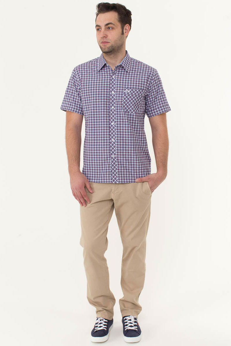 Рубашка мужская F5, цвет: белый, синий, красный. 176007_07151. Размер L (50)176007_07151, Cotton, Check 7Стильная мужская рубашка F5, изготовленная из высококачественного материала, поможет создать модный образ и станет отличным дополнением к повседневному гардеробу. Модель прямого кроя с отложным воротничком застегивается на пуговицы и дополнена накладным карманом. Рубашка подойдет для офиса, прогулок или дружеских встреч и будет отлично сочетаться с джинсами и брюками.