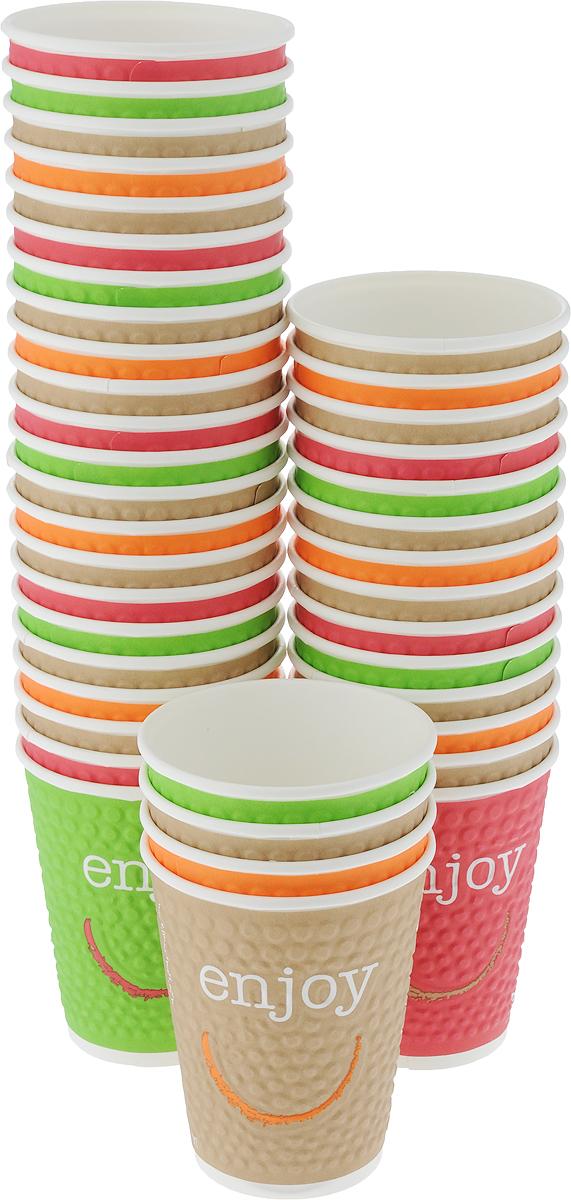 """Одноразовые стаканы Huhtamaki """"Enjoy"""", изготовленные из плотной бумаги, предназначены для  подачи горячих и холодных напитков. Вы можете взять их с  собой на природу и наслаждаться вкусными напитками.  Несмотря на то, что стаканы бумажные, они очень  прочные и не промокают.  Объем: 300 мл. Диаметр (по верхнему краю): 9 см.  Диаметр дна: 6 см. Высота: 11 см."""