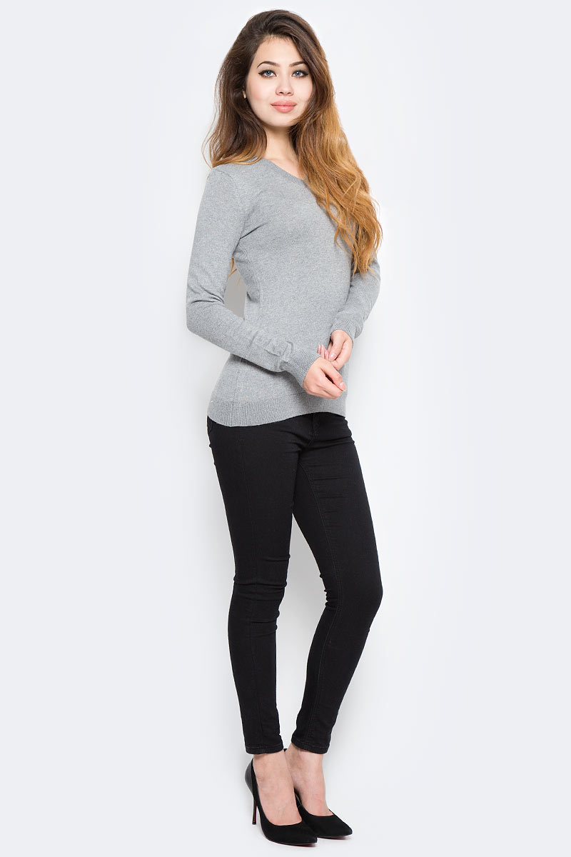 Пуловер женский Sela, цвет: серый меланж. JR-114/1149-7390. Размер S (44)JR-114/1149-7390Уютный женский пуловер Sela - это тепло и уют в любой ситуации. Модель приталенного кроя с длинными рукавами изготовлена из качественного трикотажа мелкой вязки. V-образный вырез горловины, манжеты рукавов и низ изделия связаны резинкой. Модель подойдет для офиса, прогулок и дружеских встреч, будет отлично сочетаться с джинсами и брюками, а также гармонично смотреться с юбками. Мягкая ткань на основе нейлона, шерсти и акрила хорошо тянется и приятна на ощупь.
