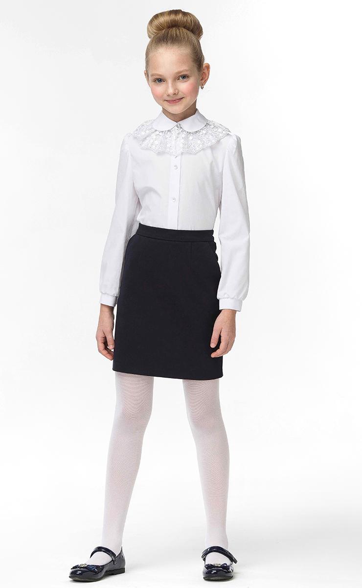 Блузка для девочки Смена, цвет: белый. 16с709-00. Размер 146/15216с709-00Блузка для девочки от бренда Смена - прекрасный выбор для школьного гардероба. Блузка выполнена из смесового хлопка полуприлегающего силуэта. Модель с длинными рукавами и отложным воротничком застегвается на пуговицы. Горловина оформлена кружевом.