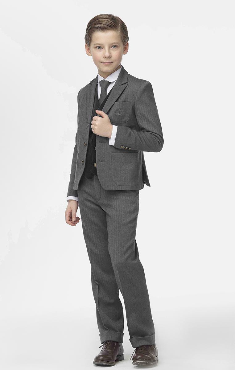Пиджак для мальчика Смена, цвет: серый. 16с263. Размер 152/15816с263Твидовый пиджак для мальчика от бренда Смена отлично дополнит школьный гардероб вашего ребенка. Изделие выполнено из смесовой вискозы. Модель полуприлегающего силуэта с английским воротником, втачным рукавом, одним нагрудным и двумя боковыми накладными карманами. Декорирован вышитой монограммой бренда на нагрудном кармане и тремя гербовыми пуговицами на манжете. Застегивается пиджак на гербовые пуговицы.