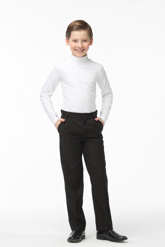 Брюки для мальчика Смена, цвет: черный. 16с92. Размер 152/15816с92Прямые брюки для мальчика от бренда Смена - прекрасный выбор для школьного гардероба. Брюки изготовлены из смесовой вискозы. Модель со стрелками и боковыми карманами, на втачном поясе с регулировкой и шлевками для ремня. Задняя часть пояса на резинке.