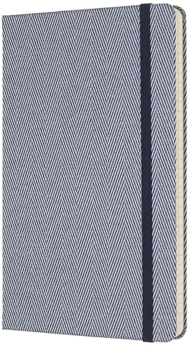 Moleskine Блокнот Blend 192 листа в линейку цвет голубой430786Ограниченная серия Blend отличается от привычных записных книжек Moleskine. Обложка записной книжки данной серии выполнена не из привычного картона или эко-кожи, а из крепкой ткани с фактурным плетением. Внутренний блок бумаги в линейку без полей. На первой страничке для заполнения: личные данные владельца. А также неповторимые черты записной книжки: прошитый нитками переплет; практичные скругленные углы; не желтеющие со временем страницы; быстро впитывающая чернила бумага; вместительный внутренний кармашек, закладка-ляссе, эластичная застежка-резинка.
