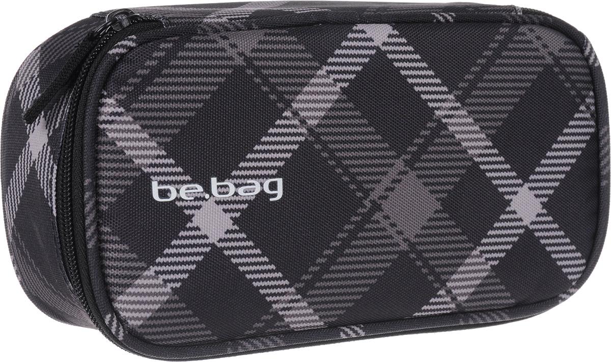 Herlitz Пенал Black Grey Checked11410651Пенал Herlitz серии Be.Bag Black Grey Checked выполнен из прочного материала и закрывается на застежку-молнию. Состоит из одного вместительного отделения. Внутри пенала находятся эластичные крепления для канцелярских принадлежностей.Этот пенал станет не только практичным, но и стильным школьным аксессуаром для любого ребенка.