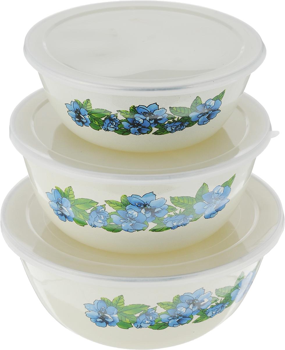 Набор мисок Bohmann, с крышками, цвет: кремовый, синий, зеленый, 6 предметов8532ВН/NEW_голубойНабор Bohmann состоит из трех мисок разного объема, изготовленных из эмалированной стали. Миски снабжены плотно прилегающими пластиковыми крышками и украшены цветочным рисунком. Изделия являются универсальным приобретением для кухни. Предназначены для хранения и смешивания жидкостей, хранения любых продуктов, полуфабрикатов и соусов. Если хранить овощи и ягоды в таких мисках, то они останутся свежими надолго. Миски складываются друг в друга для компактного хранения. Нельзя использовать в микроволновой печи, можно мыть в посудомоечной машине. Диаметр мисок: 20,5 см; 18 см; 16 см.Высота стенок мисок: 8,6 см, 7,7 см, 6,5 см.