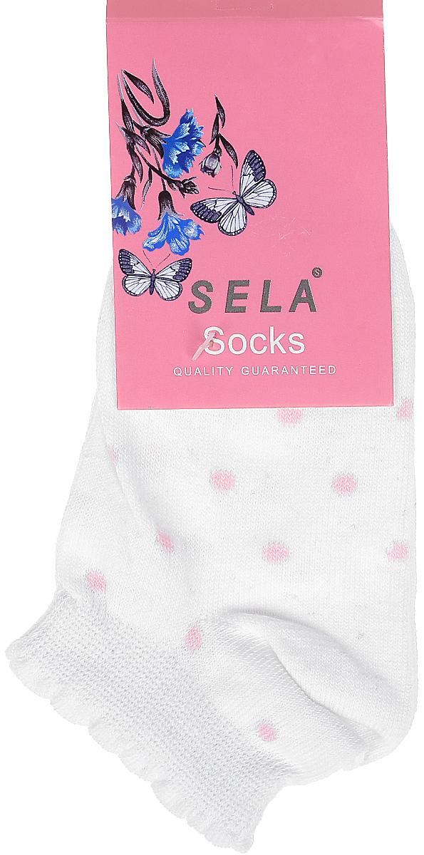 Носки для девочки Sela, цвет: белый. SOb-4/187-7311. Размер 20/22SOb-4/187-7311Укороченные носки для девочки Sela изготовлены из высококачественного приятного на ощупь материала в горошек. Благодаря содержанию мягкого хлопка в составе, кожа сможет дышать, а эластан позволяет носкам легко тянуться, что делает их комфортными в носке. Фигурная эластичная резинка с контрастной полоской по краю плотно облегает ногу, не сдавливая ее, и обеспечивает комфорт и удобство. Уважаемые клиенты! Размер, доступный для заказа, является длиной стопы.