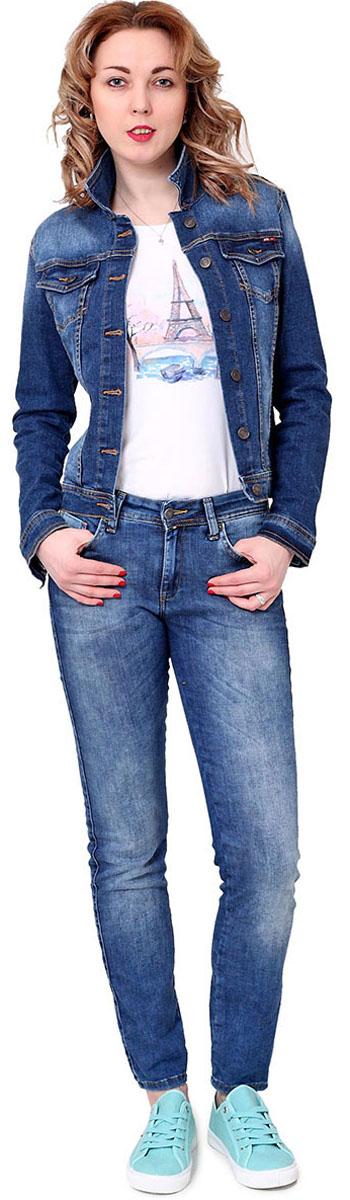 Куртка джинсовая женская F5, цвет: синий. 175018_16. Размер S (44)175018_16, Blue denim Davils play str., w.mediumЖенская джинсовая куртка F5 выполнена из высококачественного материала. Куртка имеет зауженный крой. Куртка с отложным воротником и длинными рукавами застегивается на пуговицы. Спереди расположены два накладных кармана с клапанами на пуговицах.
