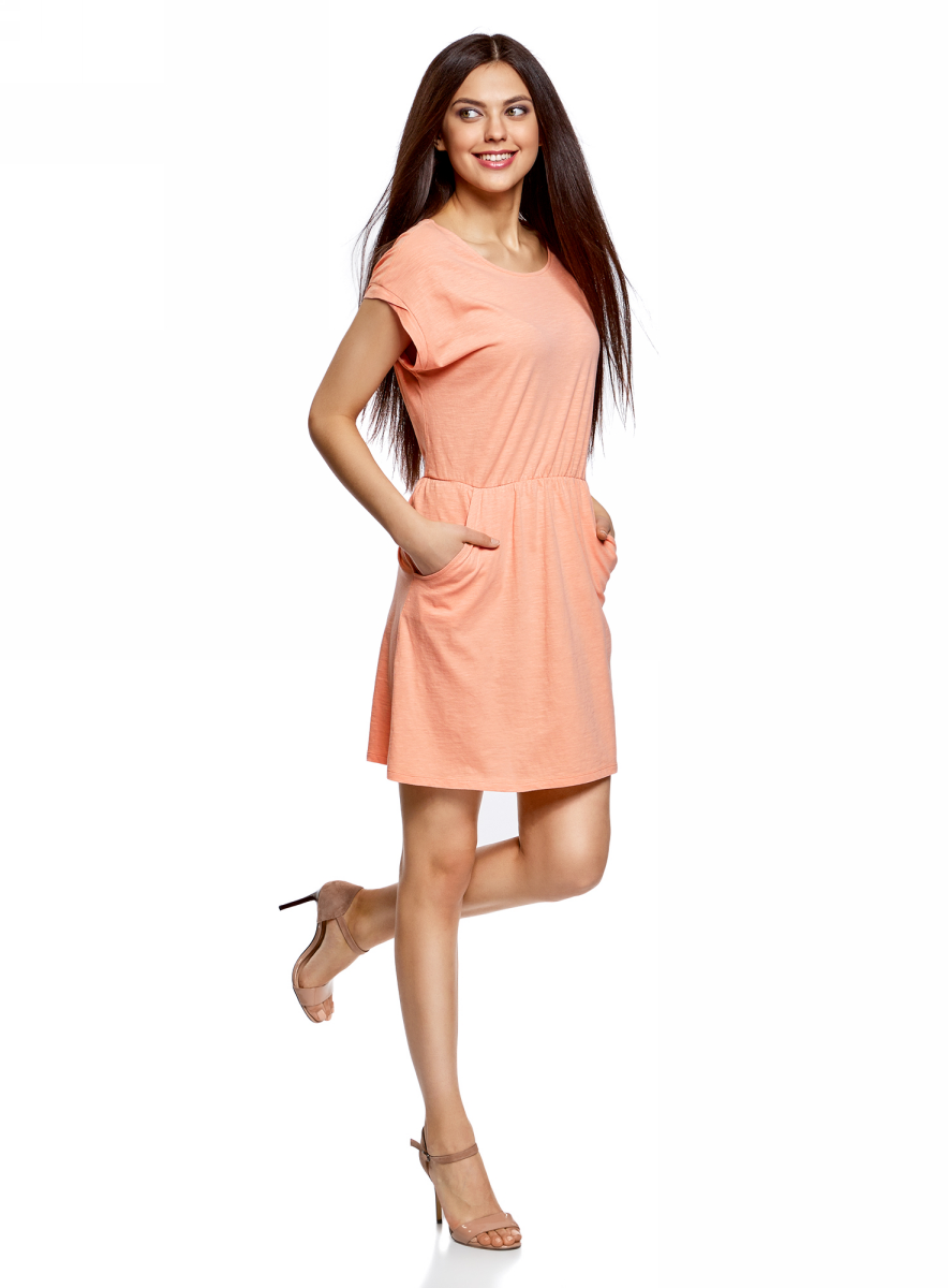 Платье oodji Ultra, цвет: коралловый. 14008019B/45518/4300N. Размер XXS (40)14008019B/45518/4300NТрикотажное платье с карманами oodji изготовлено из качественного натурального хлопка. Модель выполнена с круглым вырезом и короткими рукавами. Платье-мини на талии собрано на внутреннюю резинку.