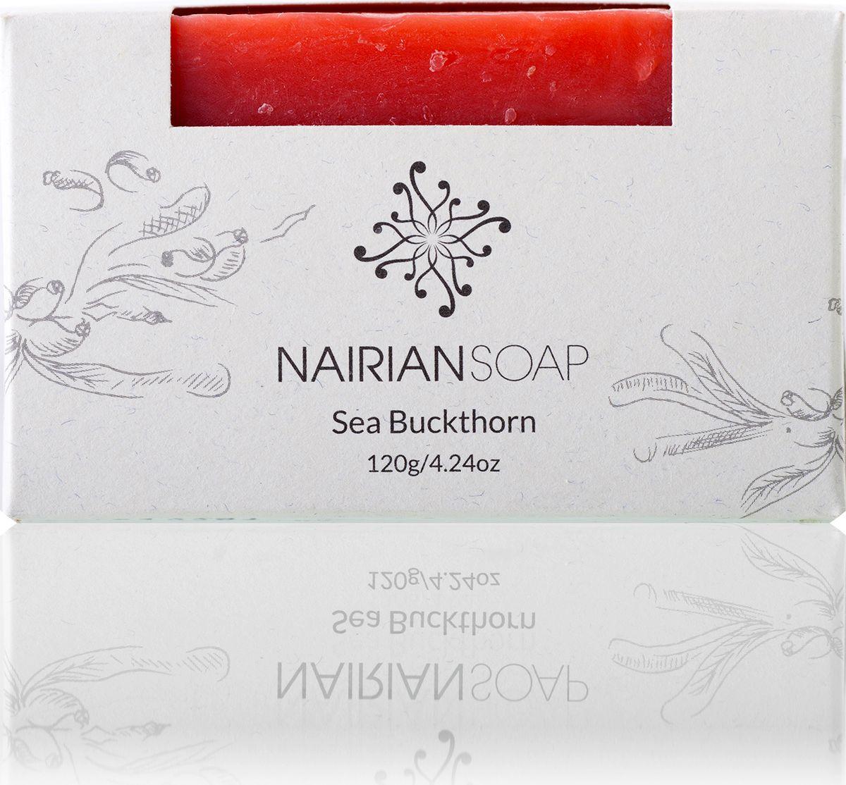 Nairian Мыло, облепиха, 120 г32466Содержит 100% чистого облепихового масла, полученного в процессе экстракции. А оно, как известно, восстанавливает кожные клетки и помогает заживлять ожоги (в том числе солнечные), порезы, ранки, лечить высыпания. Кроме того, в состав мыла входит ментол, обладающий охлаждающими и аналгезирующими свойствами, а также успокаивающий уставшие и болящие мышцы. Благодаря восстанавливающим способностям облепихи и охлаждающему, обезболивающему ментолу это мыло подходит для всего тела (кроме интимных участков и области вокруг глаз) и даже может служить в качестве пены для бритья.