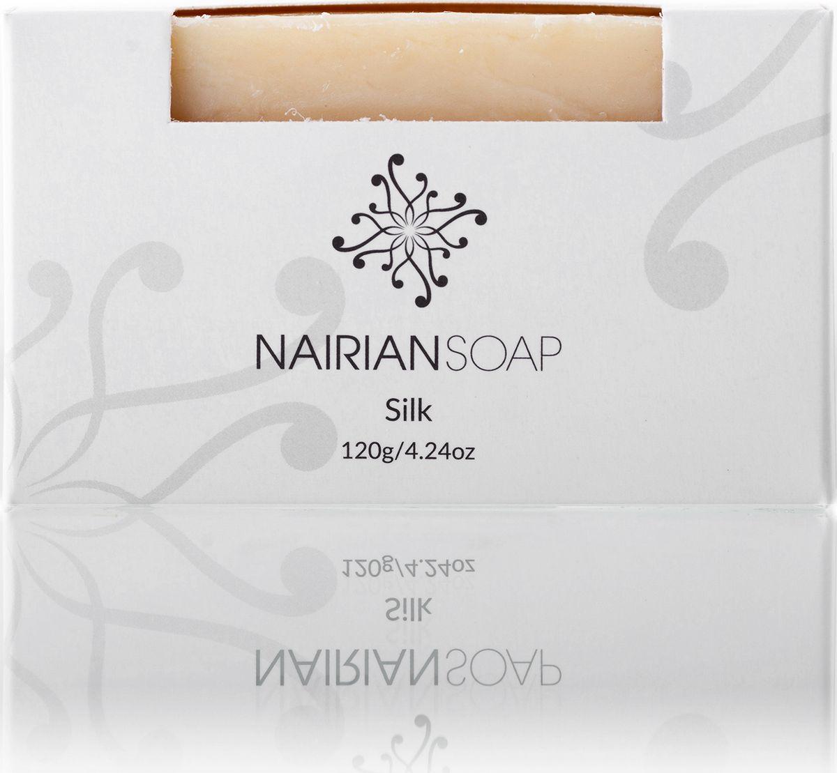 Nairian Мыло, шелк, 120 гBSSSK-01-0120Смесь питательных масел и успокоительных экстрактов, разработанная специально для шершавой, сухой и потрескавшейся кожи. Изначально формула была придумана основателями марки Nairian для ребенка друзей, страдавшего от экземы. Гранатовое и абрикосовое масла, а также протеин шёлка, входящие в состав мыла, создают на коже защитную пленку из жировых кислот, которые смягчают кожу и защищают от негативного воздействия окружающей среды. Подходит для всего тела.