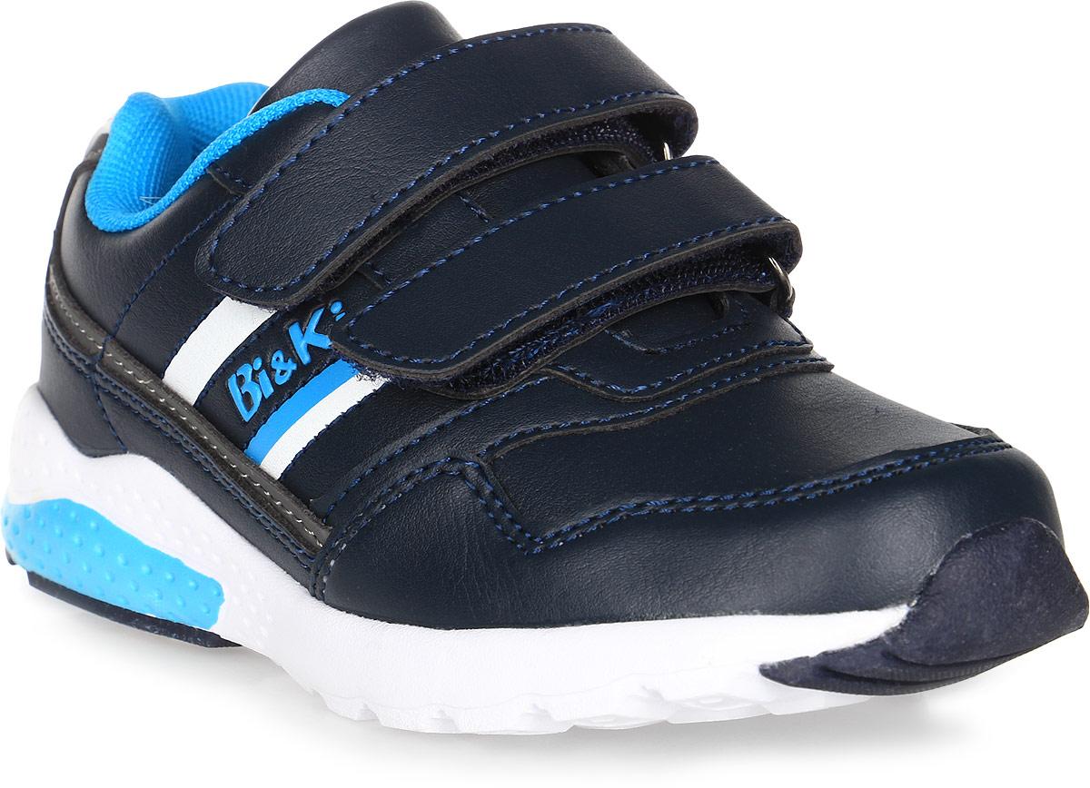 Кроссовки для мальчика BiKi, цвет: синий. А-B25-50-D. Размер 28А-B25-50-DКроссовки BiKi выполнены из искусственной кожи. Модель оформлена контрастными вставками по бокам. Застежки-липучки обеспечивают надежную фиксацию обуви на ноге ребенка. Подкладка выполнена из текстиля и натуральной кожи, что предотвращает натирание и гарантирует уют. Подошва с рифлением обеспечивает идеальное сцепление с любыми поверхностями. Стильные и удобные кроссовки - незаменимая вещь в гардеробе каждого ребенка.