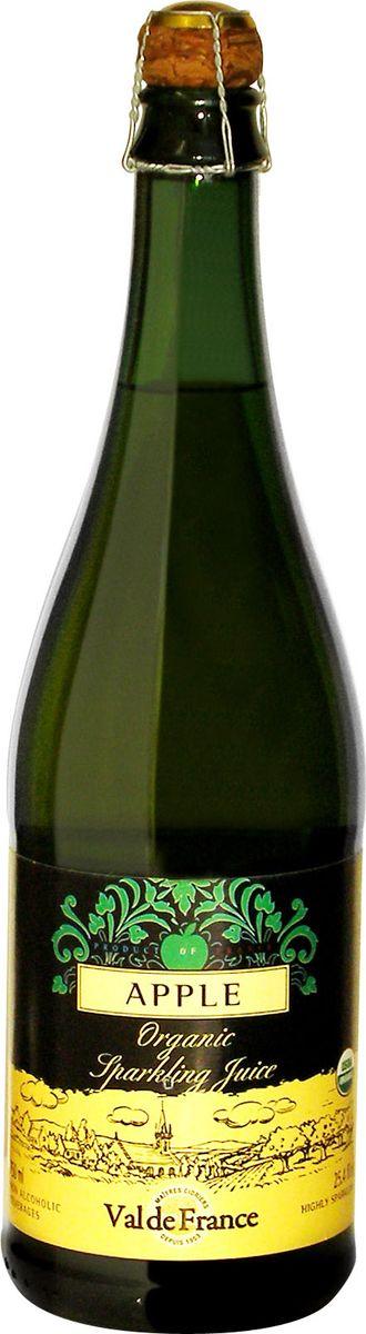 Val De France напиток газированный яблоко 0,75 л851231000907Val De France - это игристый сок из натуральных фруктов, изготавливаемый в старинной французской провинции Бретань, прославленной кальвадосом, сидром и игристыми напитками на основе минеральной воды. Французские лимонады Val De France обладают сладковато-кислым, слегка горьковатым утонченным вкусом, который не оставит равнодушным даже самого взыскательного сомелье. Разливаются лимонады в оригинальные бутылки, закупоренные пробкой, изготовленной из пробкового дерева. Может использоваться как детское шампанское на детских мероприятиях.