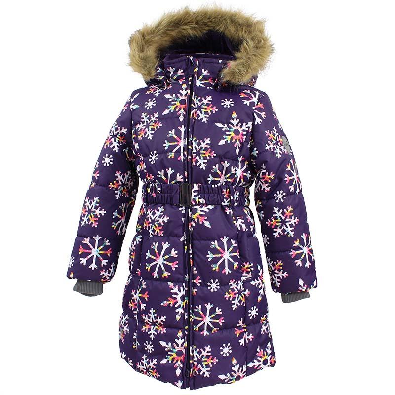 Пальто для девочки Huppa Yacaranda, цвет: темно-лилoвый. 12030030-71673. Размер 15212030030-71673Стильное пальто для девочки Huppa идеально подойдет для ребенка в прохладное время года. Модель изготовлена из полиэстера.Пальто с капюшоном и небольшим воротником-стойкой застегивается на застежку-молнию с двумя бегунками и дополнительно имеет внутренний ветрозащитный клапан, а также защиту подбородка. Капюшон оформлен мехом. Низ рукавов дополнен эластичными манжетами, не стягивающими запястья. Спереди модель дополнена двумя втачными карманами. Пальто дополнено съемным эластичным поясом. Модель оформлена ярким принтом.