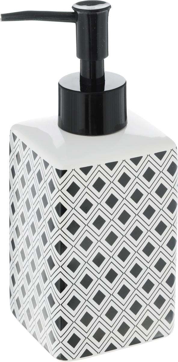 Диспенсер для жидкого мыла Коллекция Гео, высота 17,5 смATP-440Диспенсер для жидкого мыла Коллекция Гео, изготовленный из высококачественной керамики и металла, отлично подойдет для вашей ванной комнаты. Такой аксессуар очень удобен в использовании, достаточно лишь перелить жидкое мыло в диспенсер, а когда необходимо использование мыла, легким нажатием выдавить нужное количество. Диспенсер для жидкого мыла Коллекция Гео создаст особую атмосферу уюта и максимального комфорта в ванной.Размер диспенсера: 6,5 х 6,5 х 17,5 см.