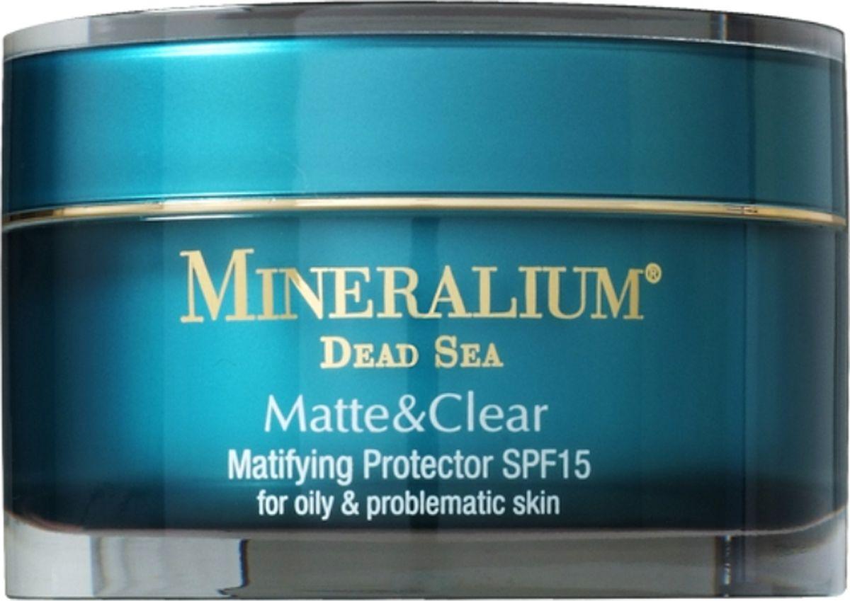 Minerallium Защитное средство с матовым эффектом SPF15 для жирной и проблемной кожи, Minerallium 50 млMn6001Усовершенствованный крем для лица поглощает жир глубоко в порах, уменьшает видимость избытка кожного жира, и придает коже чистый, свежий и матовый вид.- безжировой состав увлажняет без жирного блеска и забитых пор;- комплекс защиты от УФ-лучей служит эффективной ловушкой для свободных радикалов, сводит к минимуму вредное воздействие солнечного излучения, которое является главной причиной пигментации, фотостарения и потери упругости кожи.