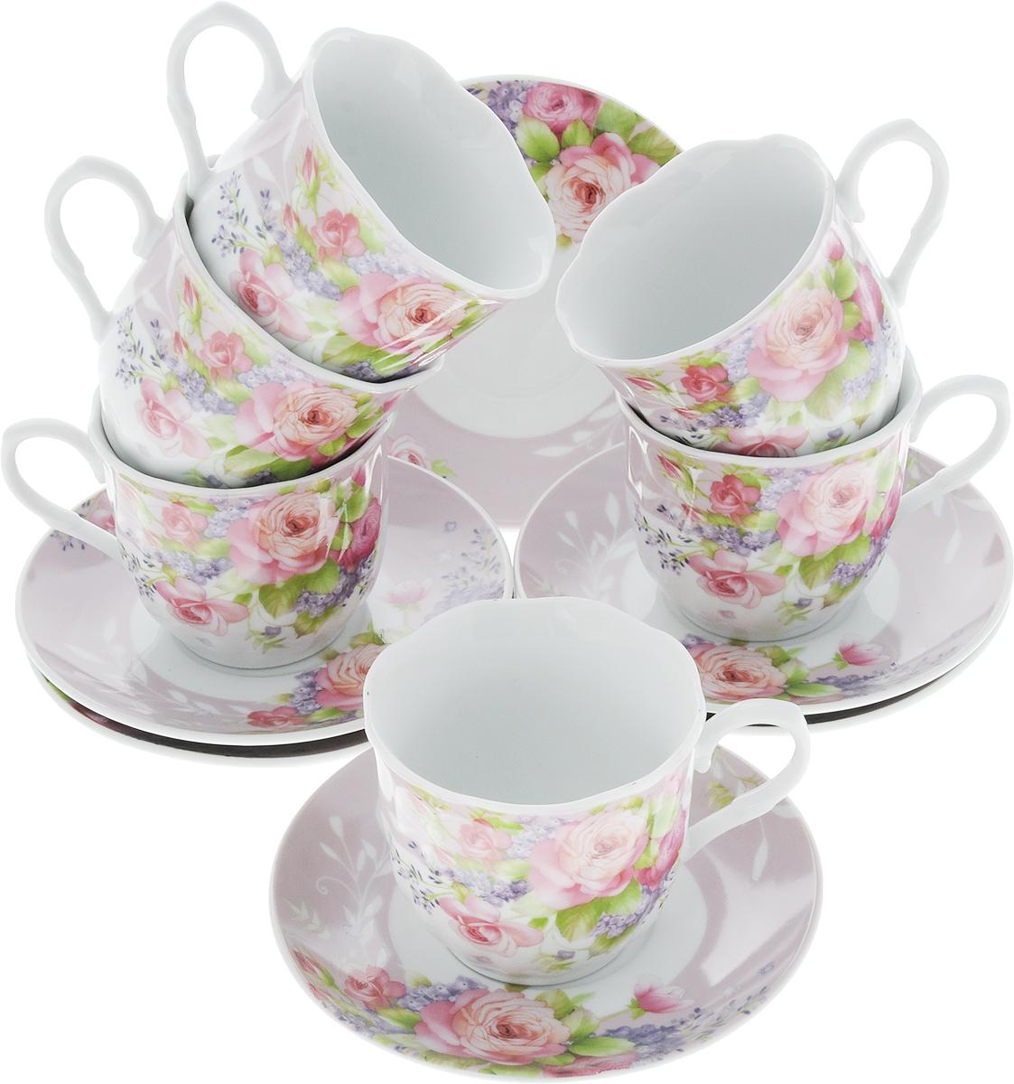 Чайный сервиз Loraine Цветы, 220 мл, 12 предметов. 2591025910Чайный сервиз на 6 персон изготовлен из качественного фарфора и оформлен красивым рисунком. Элегантный и удобный чайный сервиз не только украсит сервировку стола, но и поднимет настроение и превратит процесс чаепития в одно удовольствие. Сервиз состоит из 12 предметов: шести чашек и шести блюдец, упакованных в подарочную коробку. Чашки имеют удобную, изящную ручку. Изделия легко и просто мыть.Диаметр чашки: 8 см. Высота чашки: 7,5 см. Объем чашки: 220 мл. Диаметр блюдца: 14 см.