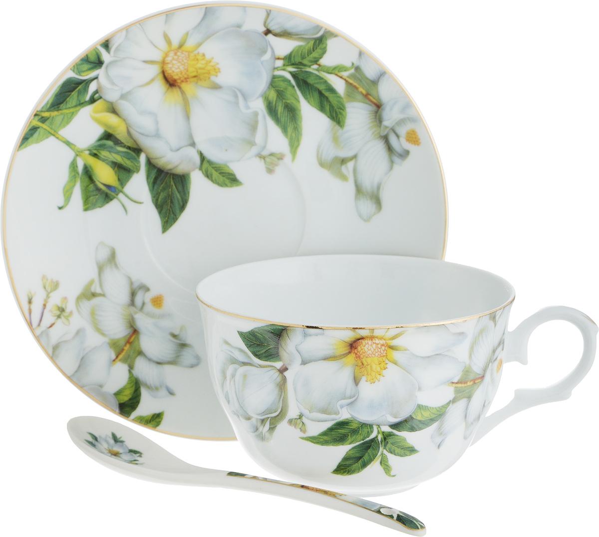 """Чайная пара Elan Gallery """"Шиповник"""" состоит из чашки, блюдца и ложечки, изготовленных из высококачественной керамики. Предметы набора оформлены изящным цветочным рисунком.  Чайная пара Elan Gallery """"Шиповник"""" украсит ваш кухонный стол, а также станет замечательным подарком друзьям и близким.  Изделие упаковано в подарочную коробку с атласной лентой.   Объем чашки: 250 мл. Диаметр чашки по верхнему краю: 9,5 см. Высота чашки: 6 см. Диаметр блюдца: 14 см. Длина ложки: 13 см."""