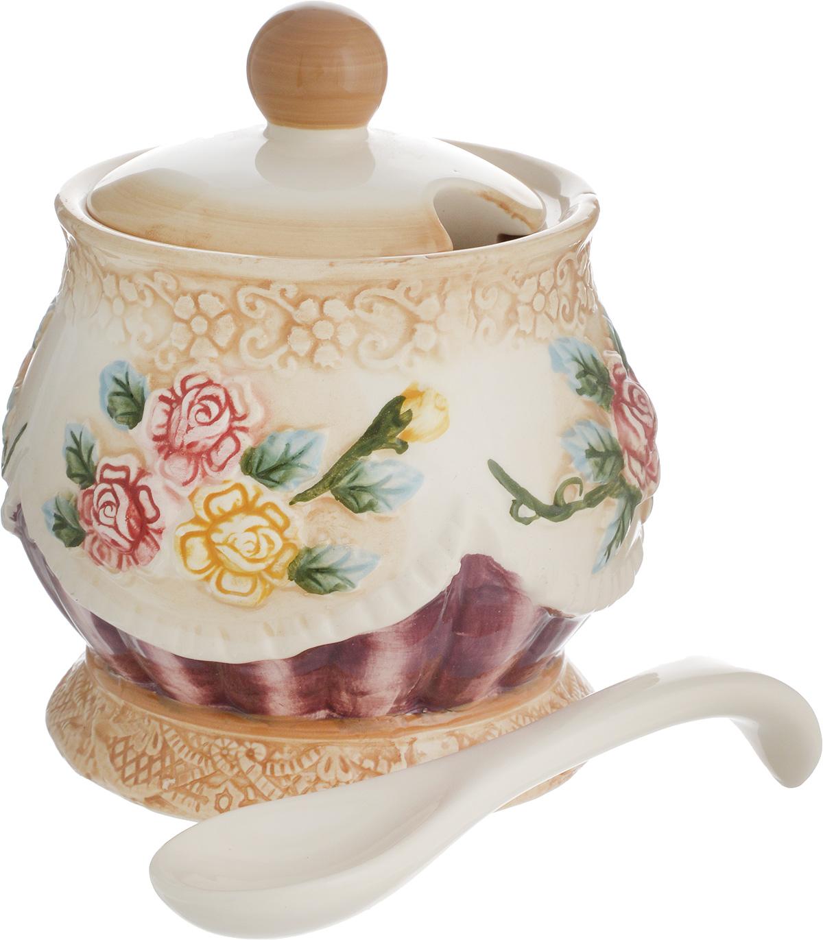 Сахарница Mayer & Boch Розы, с ложкой, 550 мл22440Сахарница Mayer & Boch Розы, изготовленная из высококачественного доломита, украшена цветочным рисунком. В крышке изделия предусмотрено отверстие для ложки (входит в комплект). Такая оригинальная сахарница украсит ваш стол, а также станет отличным подарком.Можно использоваться в микроволновой печи и посудомоечной машине.Диаметр сахарницы (по верхнему краю): 9,5 см.Диаметр основания: 10 см. Высота сахарницы (без учета крышки): 11,5 см. Высота сахарницы (с учетом крышки): 13,5 см. Длина ложки: 13 см.