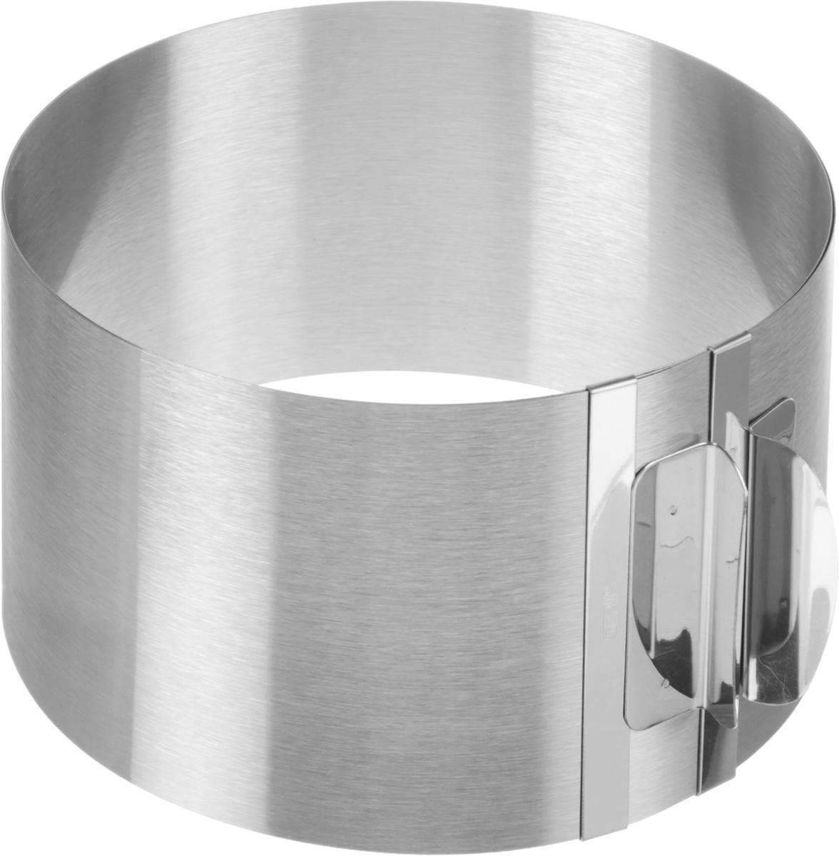 Кольцо для выпечки Tondo XXL3000006SURM017Кольцо для выпечки Gefu Tondo XXL изготовлено из нержавеющей стали. Конструкция кольца такова, что позволяет регулировать диаметр от 16,5 см до 32 см. Для облегчения процесса чистки полностью выпрямляется. Можно мыть в посудомоечной машине. Характеристики: Материал: сталь. Диаметр: 16,5 см - 32 см. Высота: 10 см. Размер упаковки: 17,8 см х 16,8 см х 10,5 см. Производитель: Германия. Артикул: 14304.